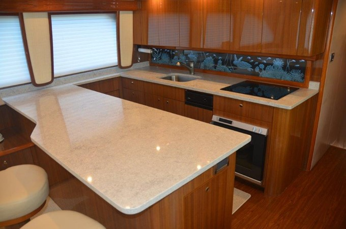 Galley 2007 VIKING Enclosed Bridge Sport Fisherman 2469428