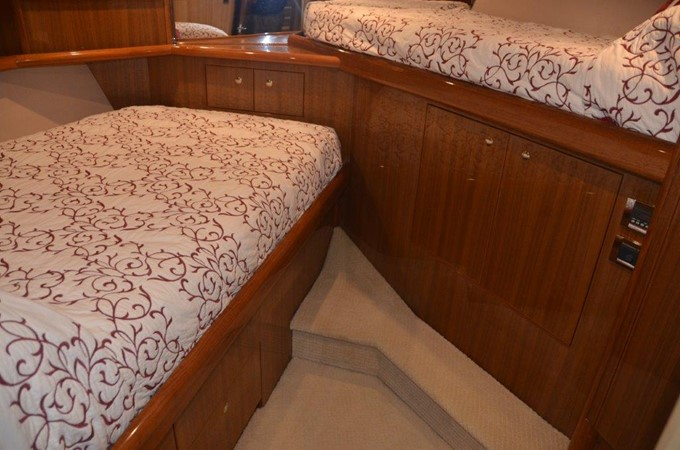 Guest 2007 VIKING Enclosed Bridge Sport Fisherman 2469436