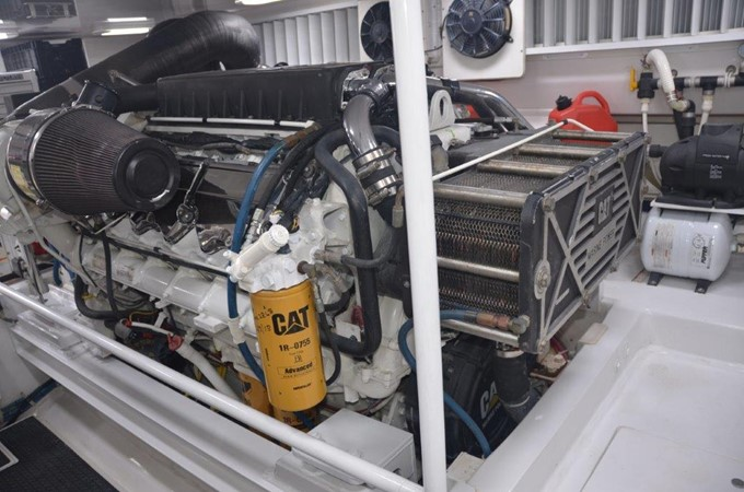 Engine Room 2007 VIKING Enclosed Bridge Sport Fisherman 2473212