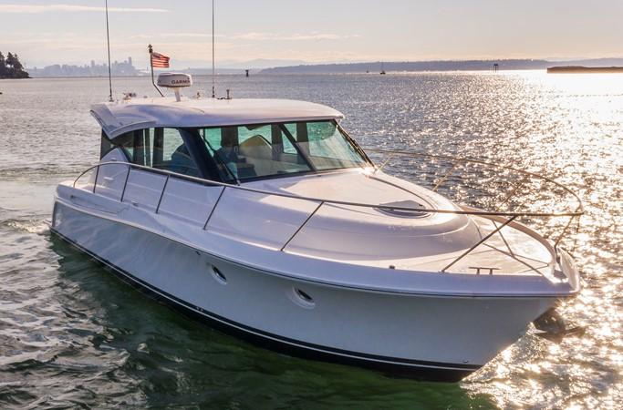2016 TIARA Coupe Motor Yacht 2478924