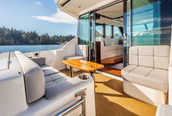 2016 TIARA Coupe Motor Yacht 2478926