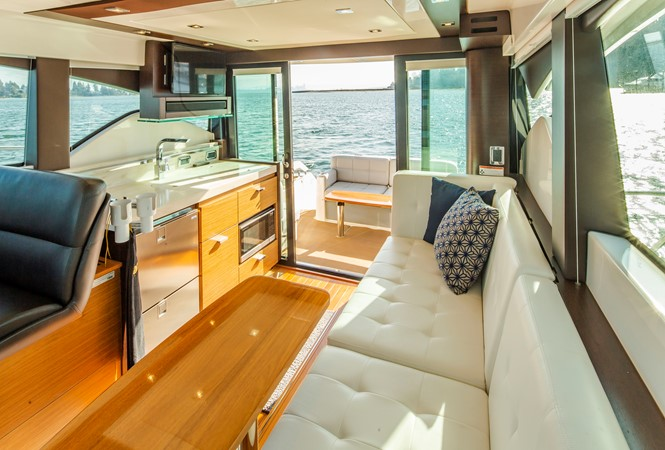 2016 TIARA Coupe Motor Yacht 2478932