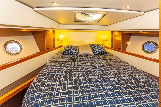 2016 TIARA Coupe Motor Yacht 2478940