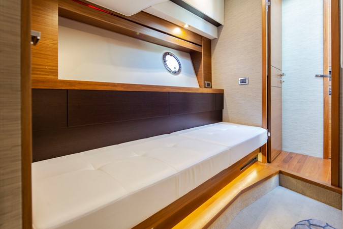 2016 TIARA Coupe Motor Yacht 2478944