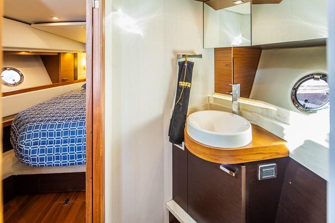 2016 TIARA Coupe Motor Yacht 2478945