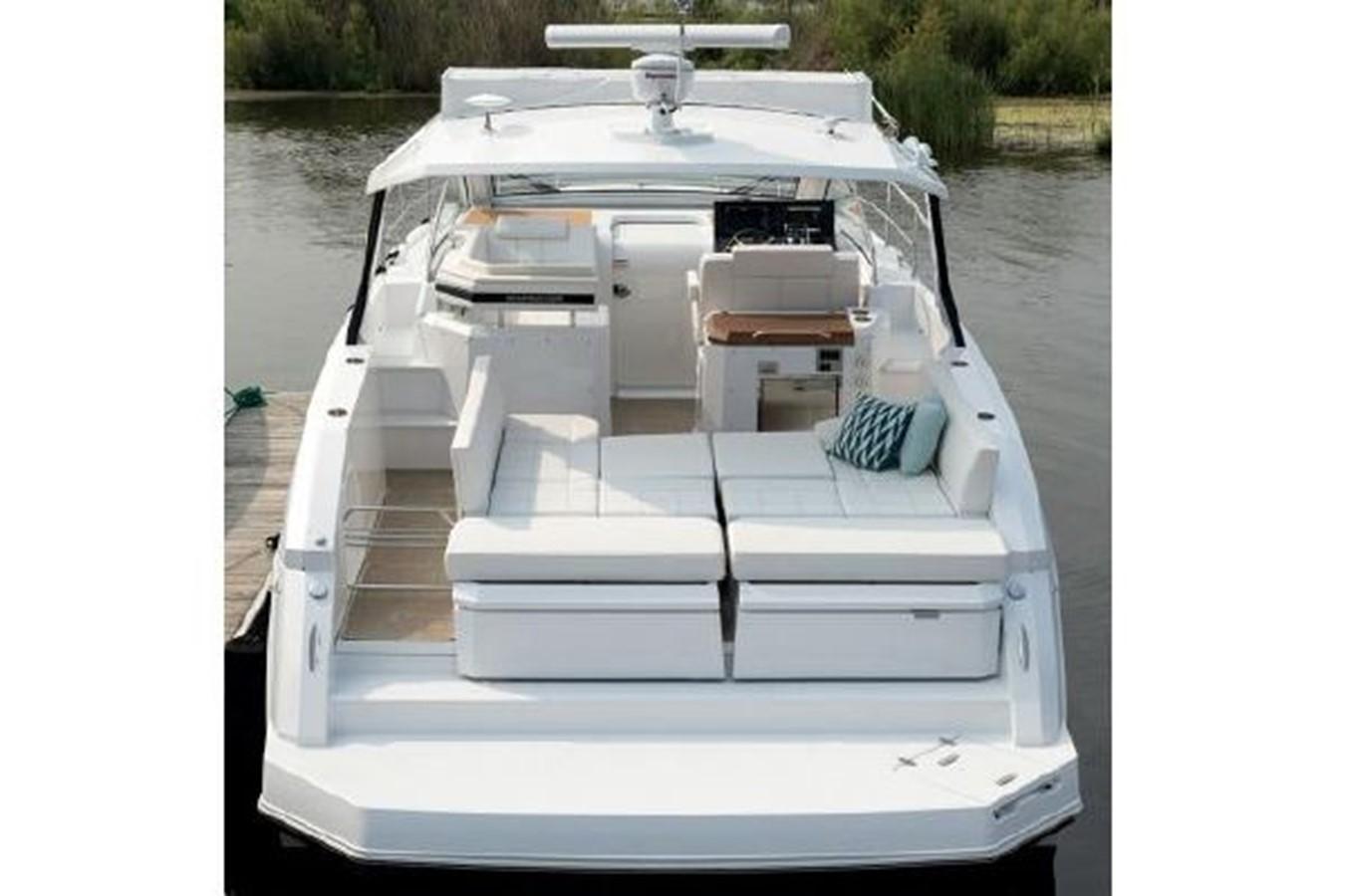 2018 CRUISERS YACHTS  Cruiser 2473344