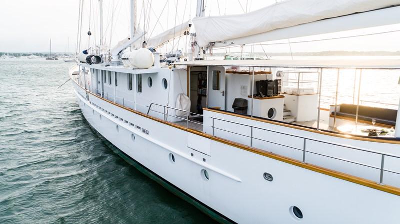 1983 PALMER JOHNSON Tri-Masted Staysail Cruising Sailboat 2475366