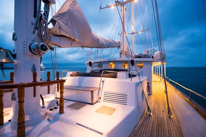 1983 PALMER JOHNSON Tri-Masted Staysail Cruising Sailboat 2475391