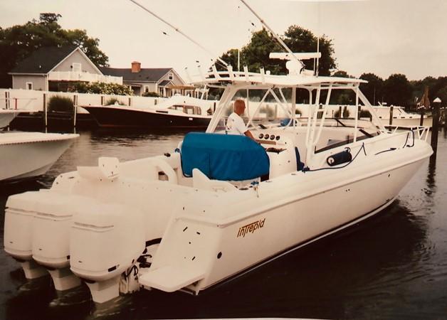 2004 INTREPID 377 Sport Fisherman 2475474