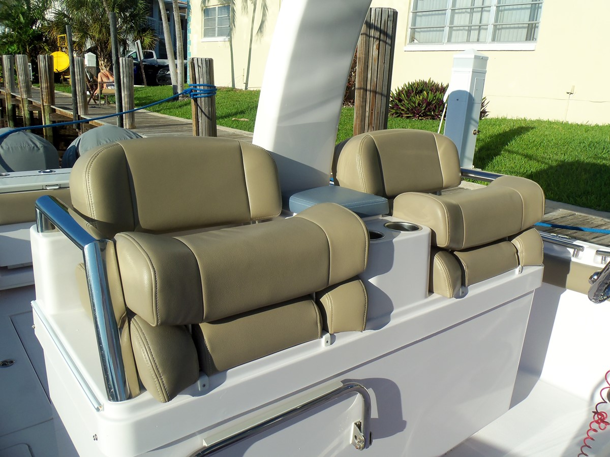 Helm Seat Bolster Position 2014 BELZONA MARINE  325 CC Center Console 2478781