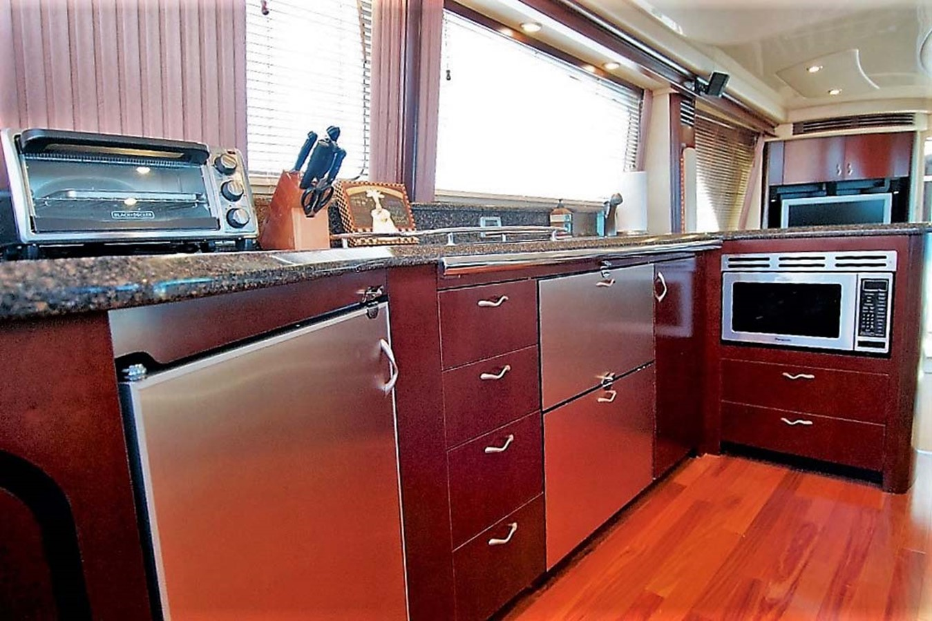 2006 SEA RAY Sedan Bridge Motor Yacht 2476841