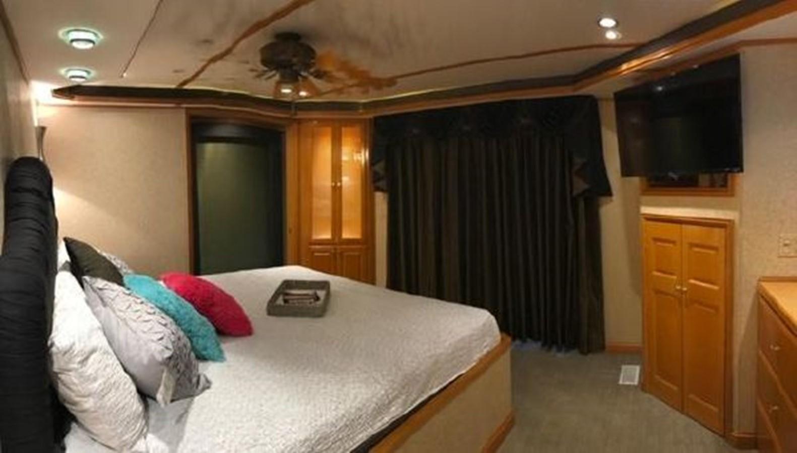 2003 FANTASY YACHTS  Houseboat 2476958