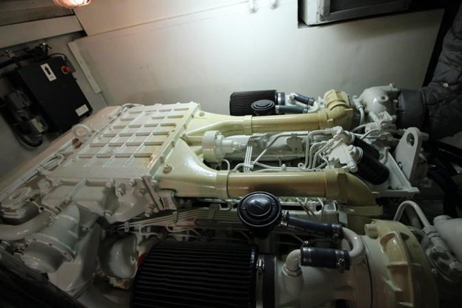 2001 UNIESSE  Center Console 2477347