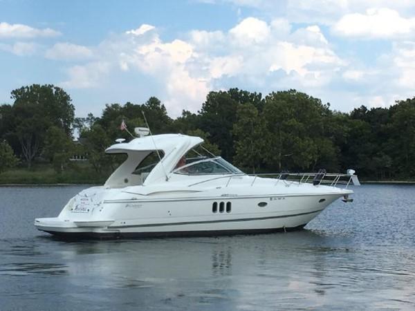 2006 Cruisers Yachts  Cruiser 2477482