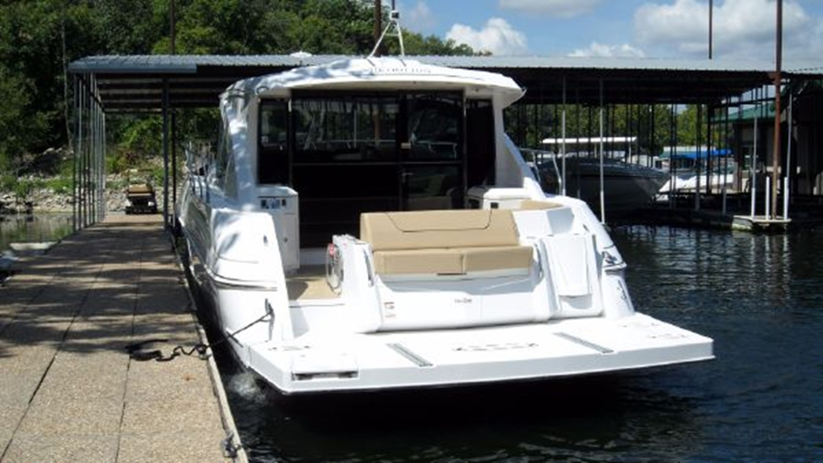 2015 CRUISERS YACHTS  Motor Yacht 2477771