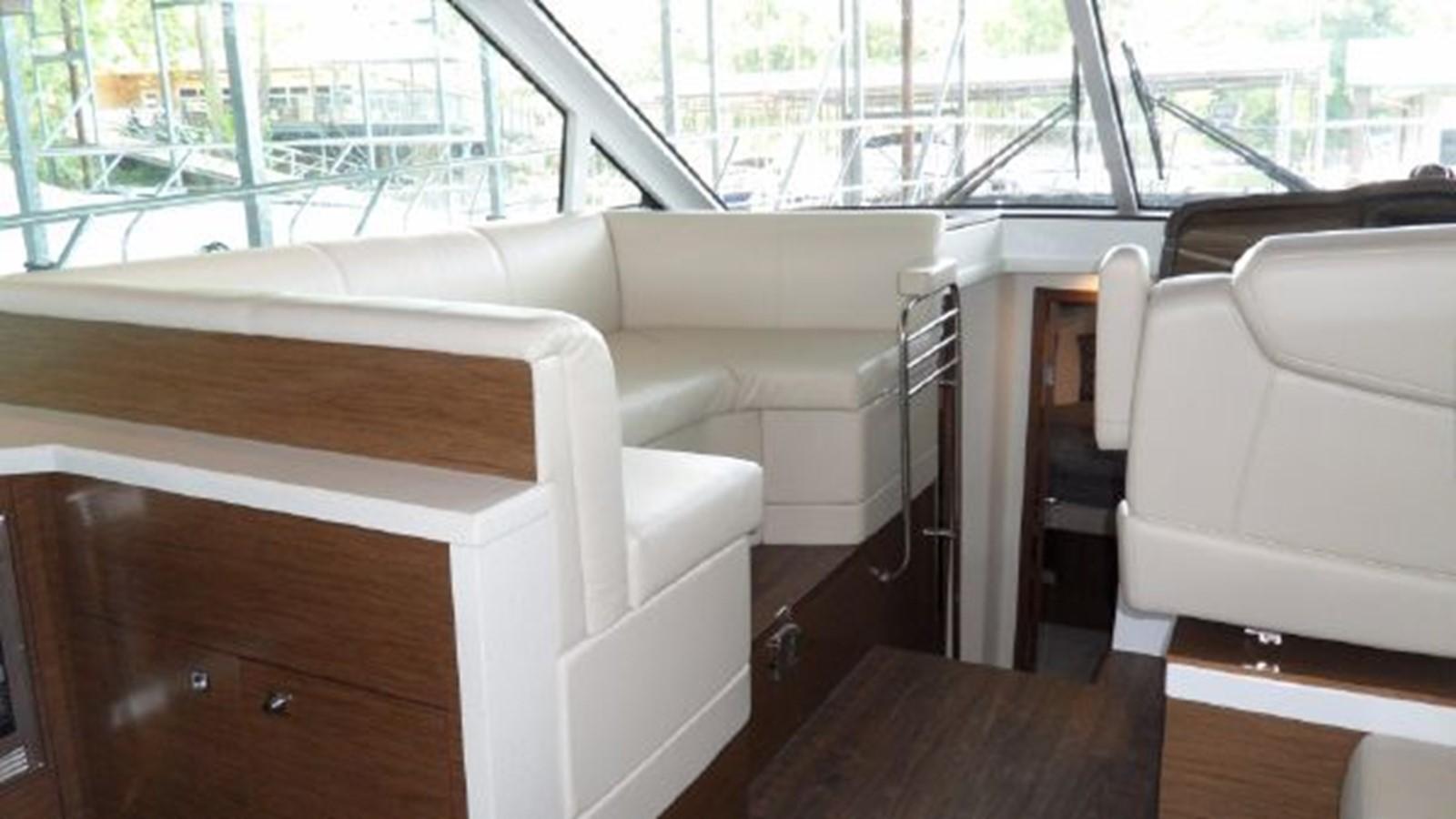 2015 CRUISERS YACHTS  Motor Yacht 2477782