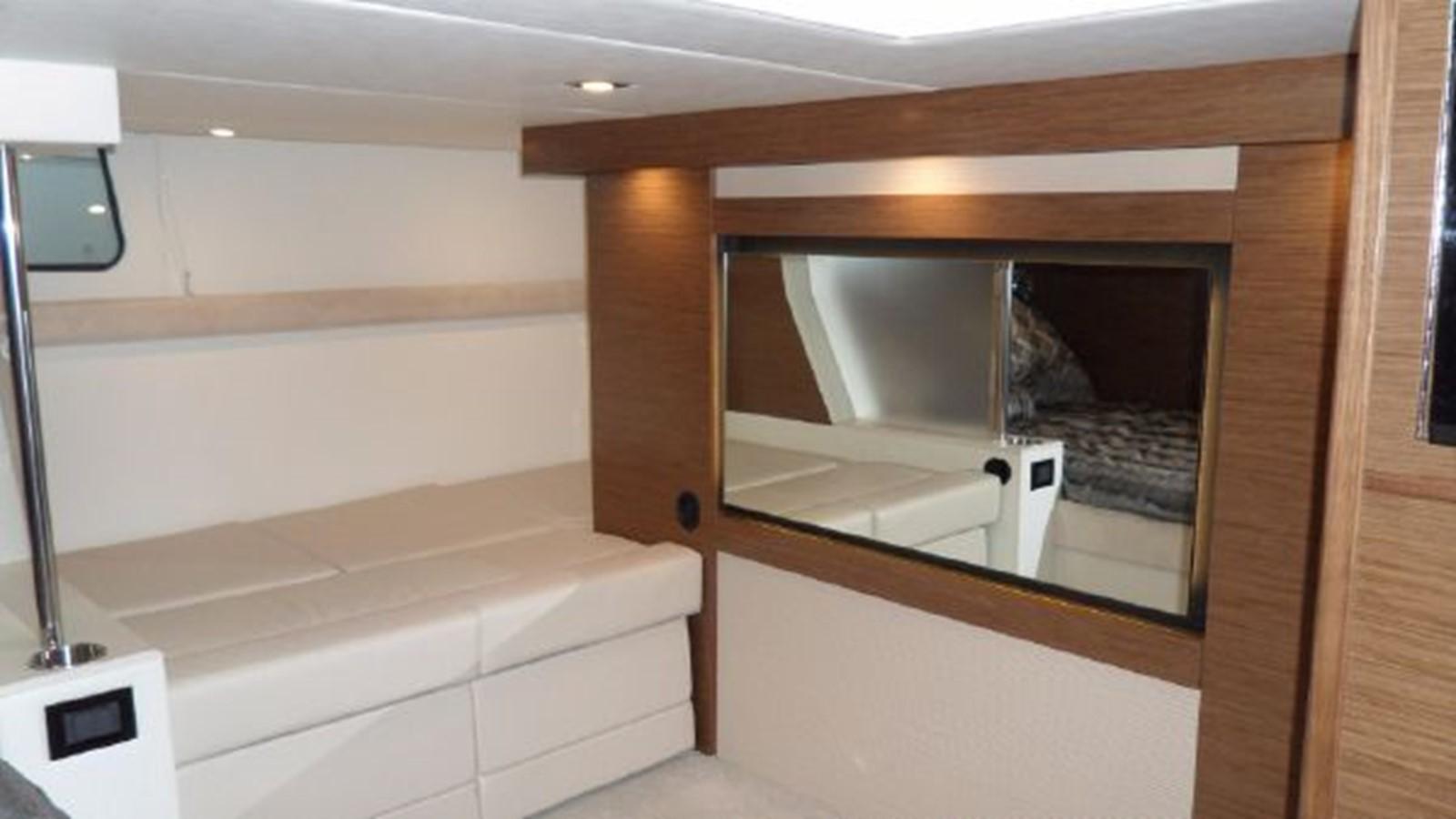 2015 CRUISERS YACHTS  Motor Yacht 2477793