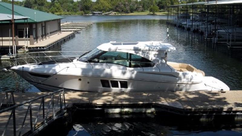 2015 Cruisers Yachts  Motor Yacht 2477770