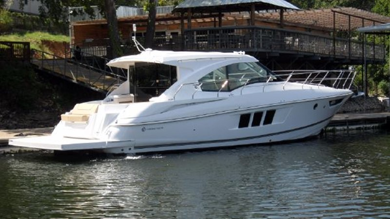 2015 Cruisers Yachts  Motor Yacht 2477772