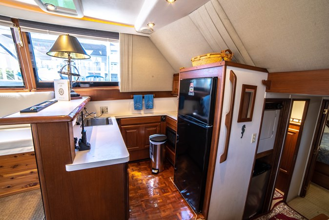 1990 45 Viking - Galley (2) 1990 VIKING 45 Convertible Motor Yacht 2698634