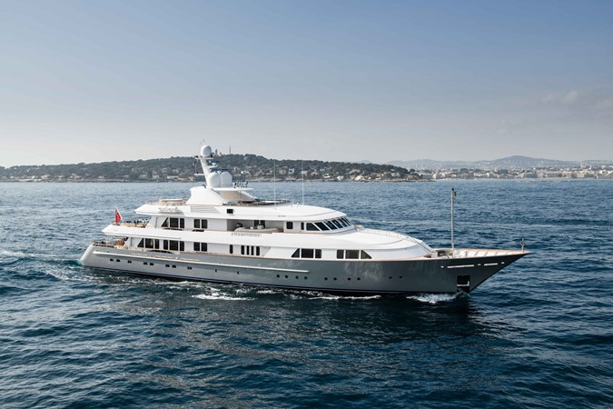 2001 FEADSHIP  Motor Yacht 2493622