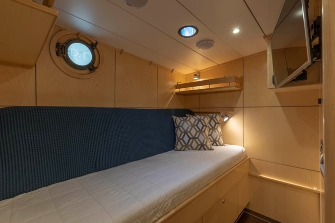 Guest/Crew Cabin in Sofa Configuration  1957 FEADSHIP  Vintage 2499073