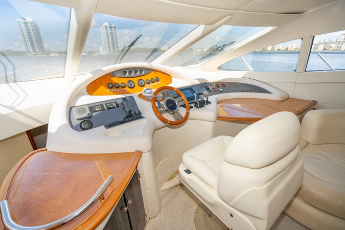 2007 AZIMUT 680 Exvolution Cruiser 2490625