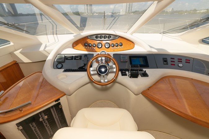2007 AZIMUT 680 Exvolution Cruiser 2490626