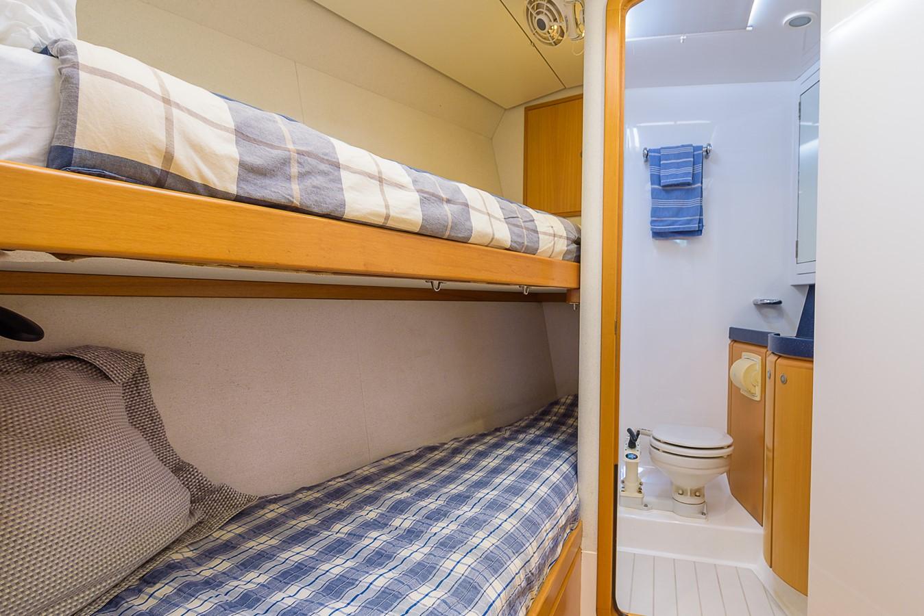 Crew Cabin, Twins 2000 KELLY ARCHER Van de Stadt Cruising Sailboat Cruising Sailboat 2481195