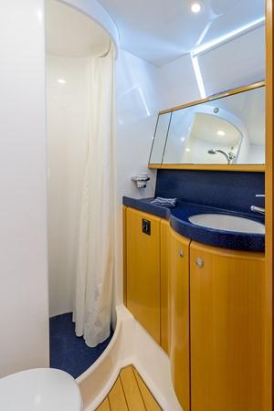Guest Head and Shower 2000 KELLY ARCHER Van de Stadt Cruising Sailboat Cruising Sailboat 2481184