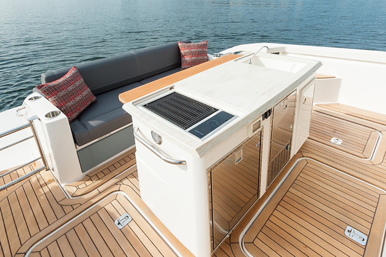 Cockpit Barbecue and Refrigeration 2016 TIARA Q44 Motor Yacht 2532642