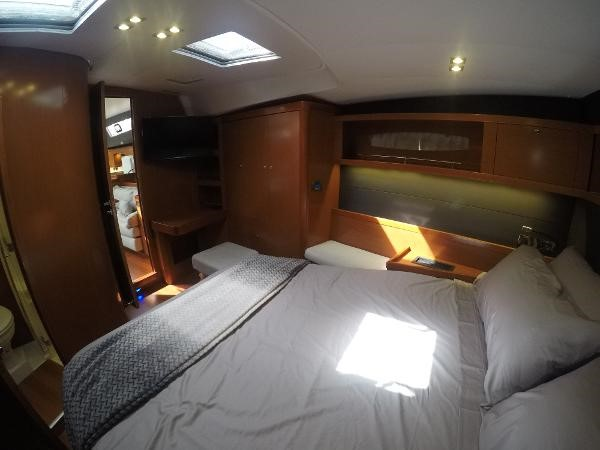 2016 BENETEAU Oceanis 60 Cruising Sailboat 2482460