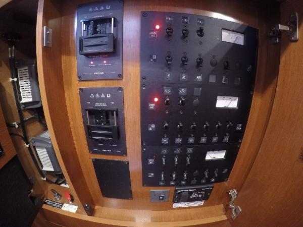 2016 BENETEAU Oceanis 60 Cruising Sailboat 2482465