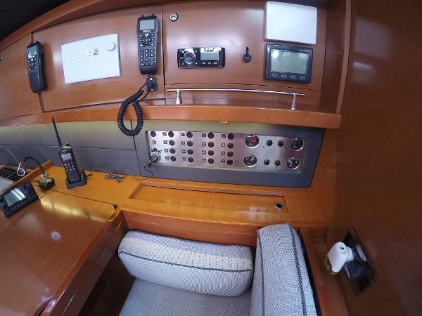2016 BENETEAU Oceanis 60 Cruising Sailboat 2482471