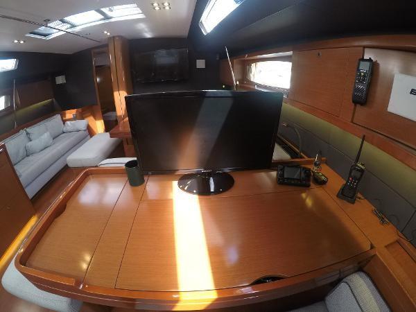 2016 BENETEAU Oceanis 60 Cruising Sailboat 2482472