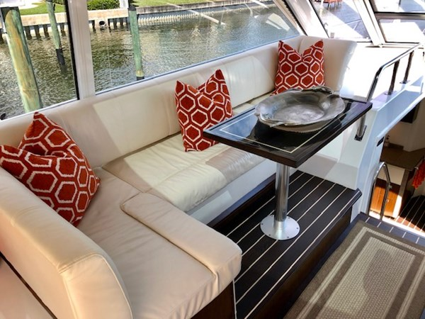 Dinette 2011 Cruisers Yachts 48 Cantius Cruiser 2485346