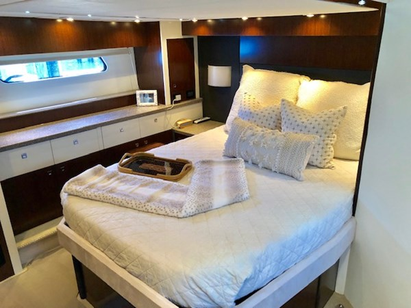 Master Stateroom 2011 Cruisers Yachts 48 Cantius Cruiser 2485360