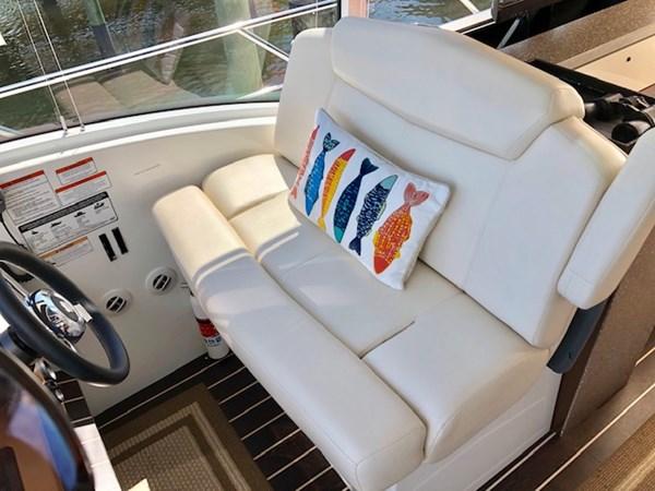 Helm Bolster Seating 2011 Cruisers Yachts 48 Cantius Cruiser 2485366