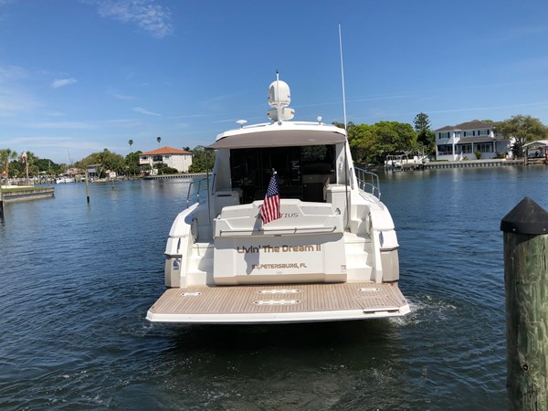 Transom Profile 2011 Cruisers Yachts 48 Cantius Cruiser 2485383
