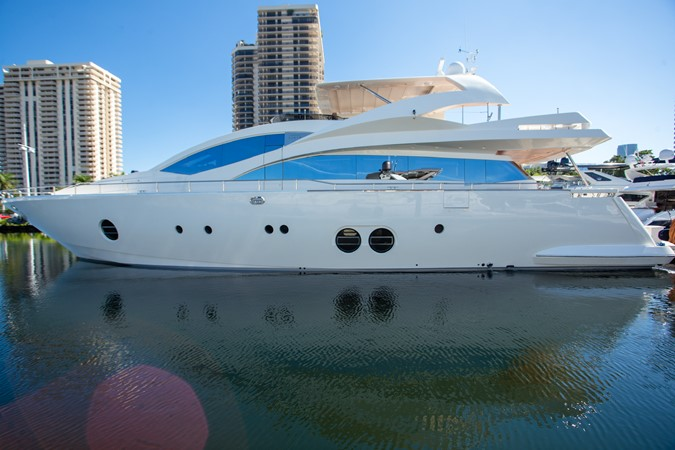 2010 AICON YACHTS  Motor Yacht 2489114