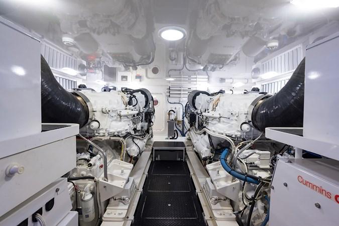 Engine Room 2016 VIKING  Sport Fisherman 2490159