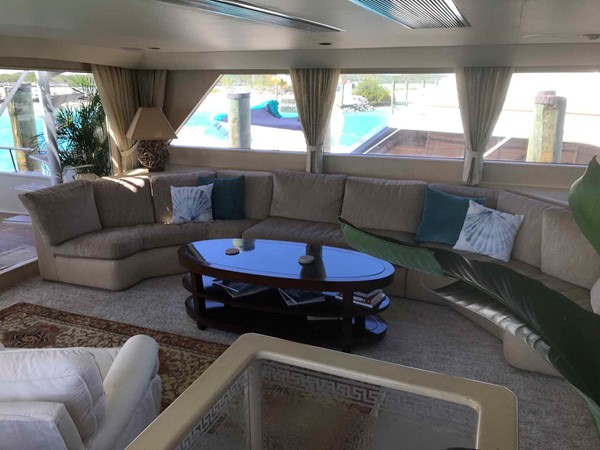 Salon to Port 1990 BROWARD Custom Extended Motor Yacht 2499296