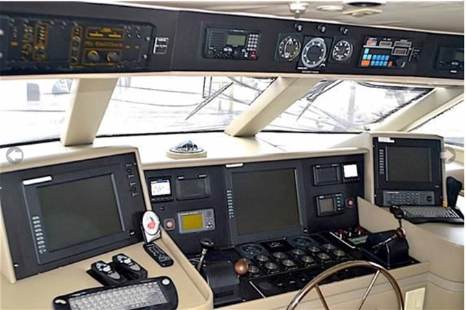 Pilothouse  1990 BROWARD Custom Extended Motor Yacht 2499309