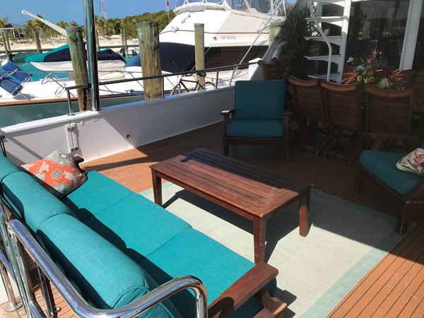 Aft Deck Seating 1990 BROWARD Custom Extended Motor Yacht 2499346