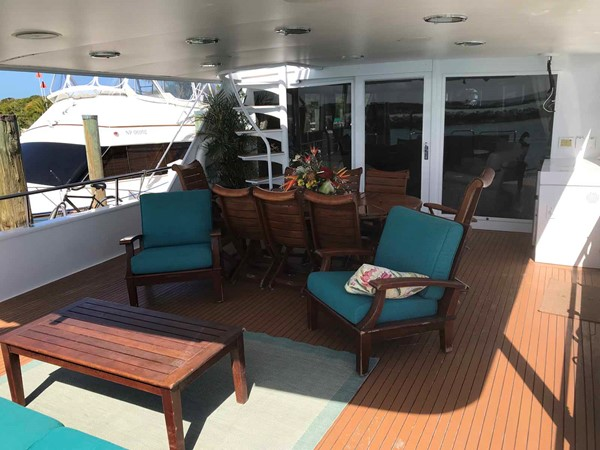 Aft Deck Seating 1990 BROWARD Custom Extended Motor Yacht 2499347
