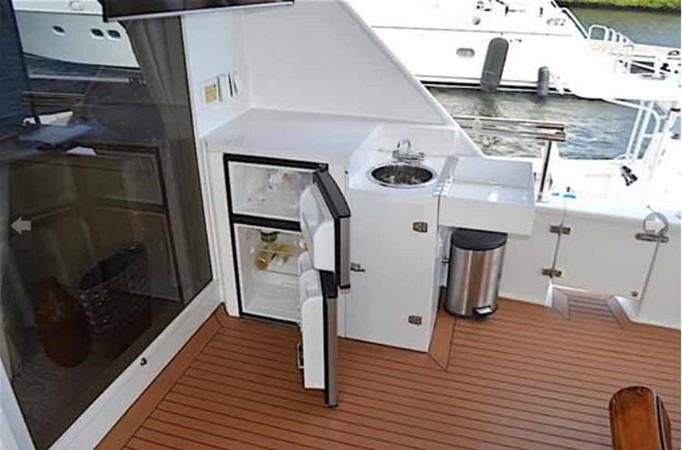Aft Deck Bar 1990 BROWARD Custom Extended Motor Yacht 2499352