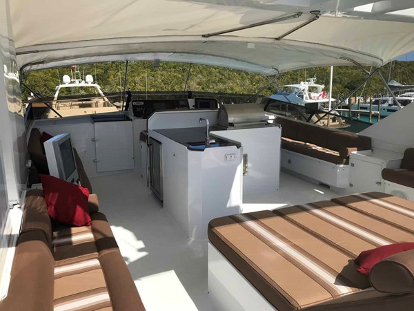 Flybridge Sun Lounge 1990 BROWARD Custom Extended Motor Yacht 2499358