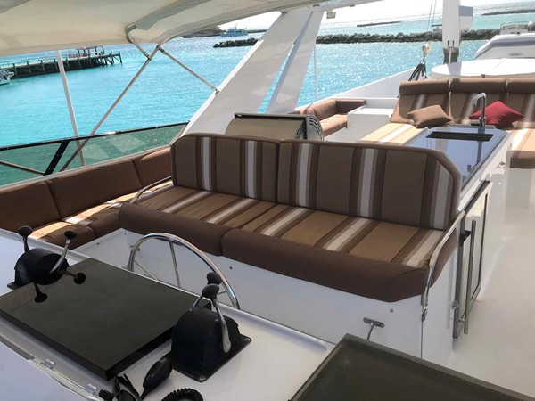 Flybridge Helm Seat 1990 BROWARD Custom Extended Motor Yacht 2499364