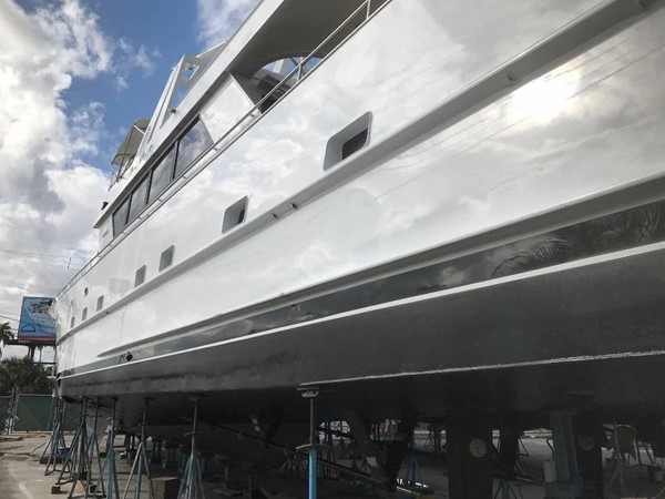 December 2018 Yard Visit 1990 BROWARD Custom Extended Motor Yacht 2499376