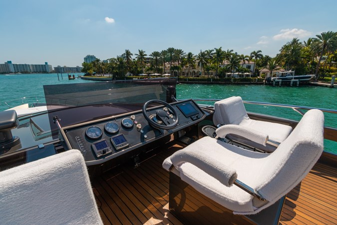 82 Pershing Groot_Exteriors and Details_06-SMALL 2015 PERSHING  High Performance 2492032